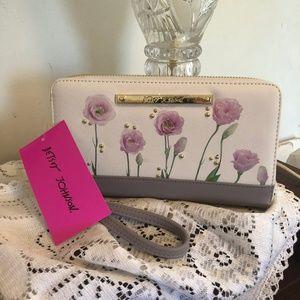NWT Betsey Johnson Flowers wallet/wristlet